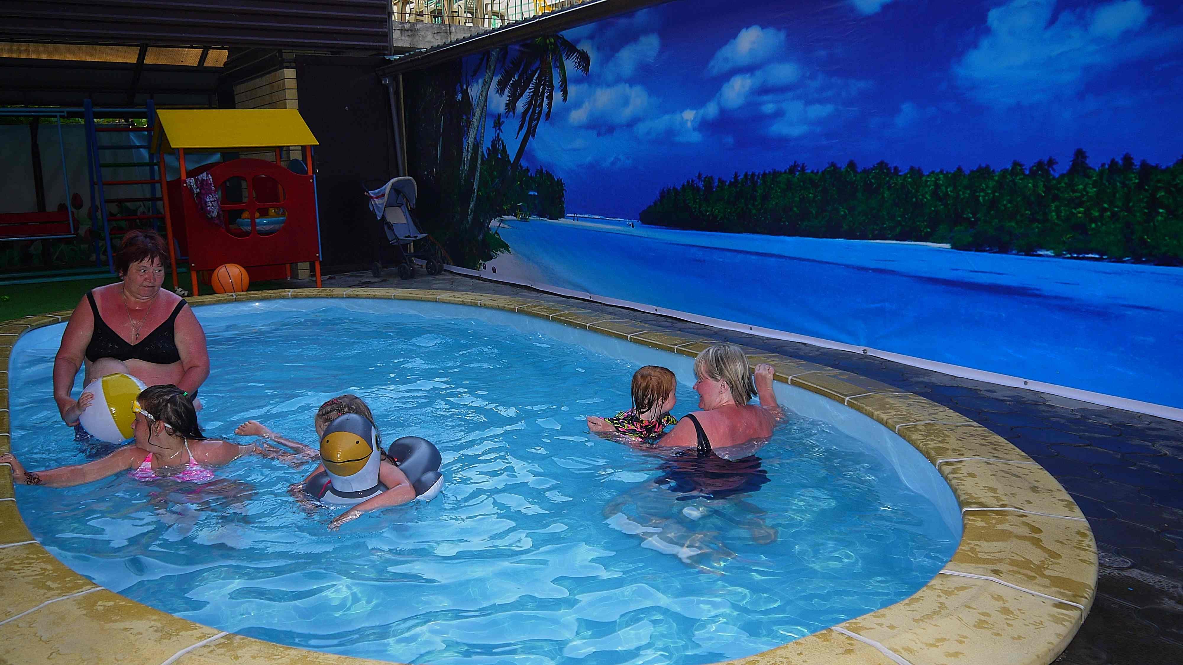 Лазаревская отели с детской площадкой